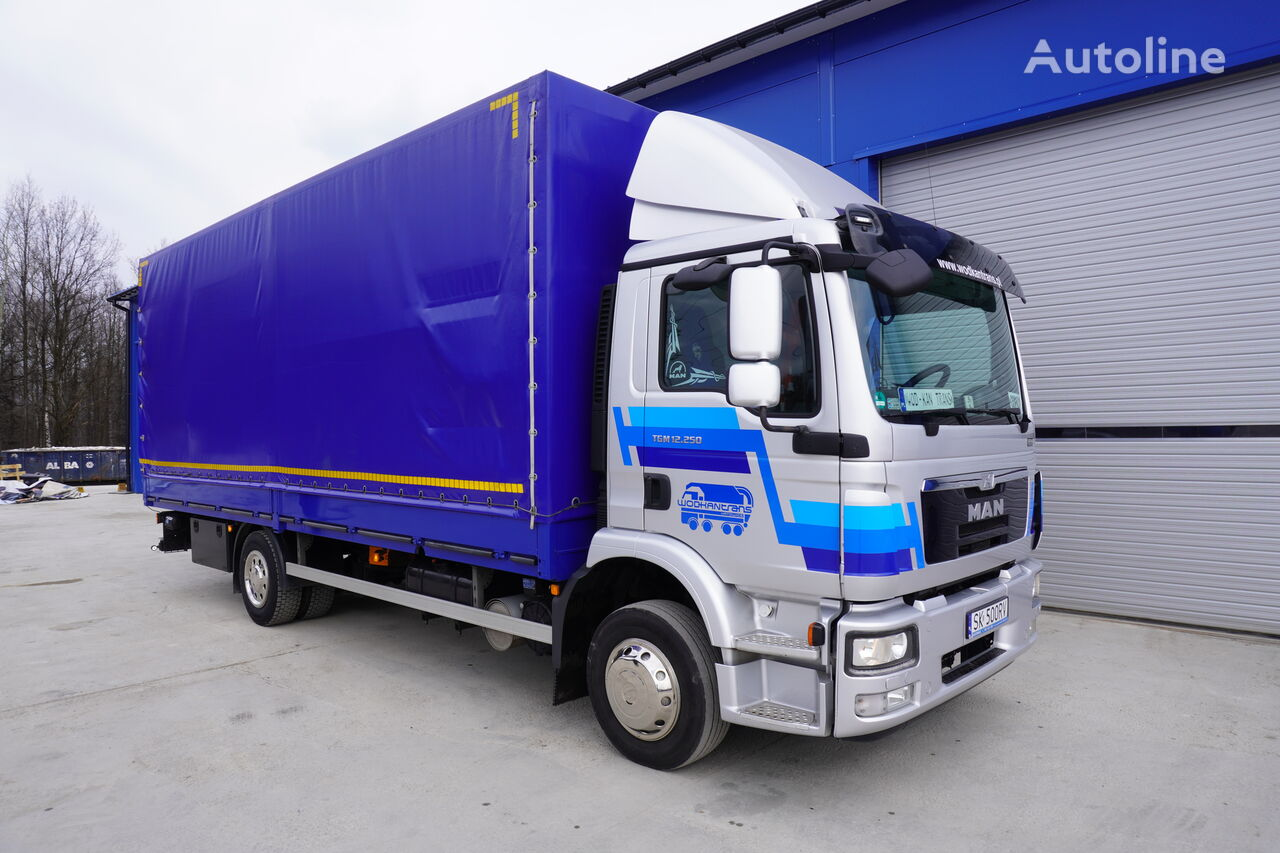 nákladní vozidlo plachta MAN TGM 12.250